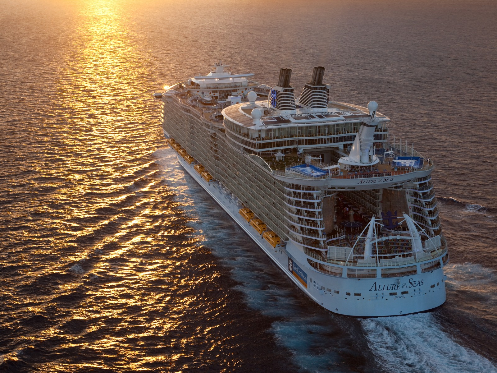 World's largest cruise ships get approval from CDC for test cruises |  Cruise.Blog