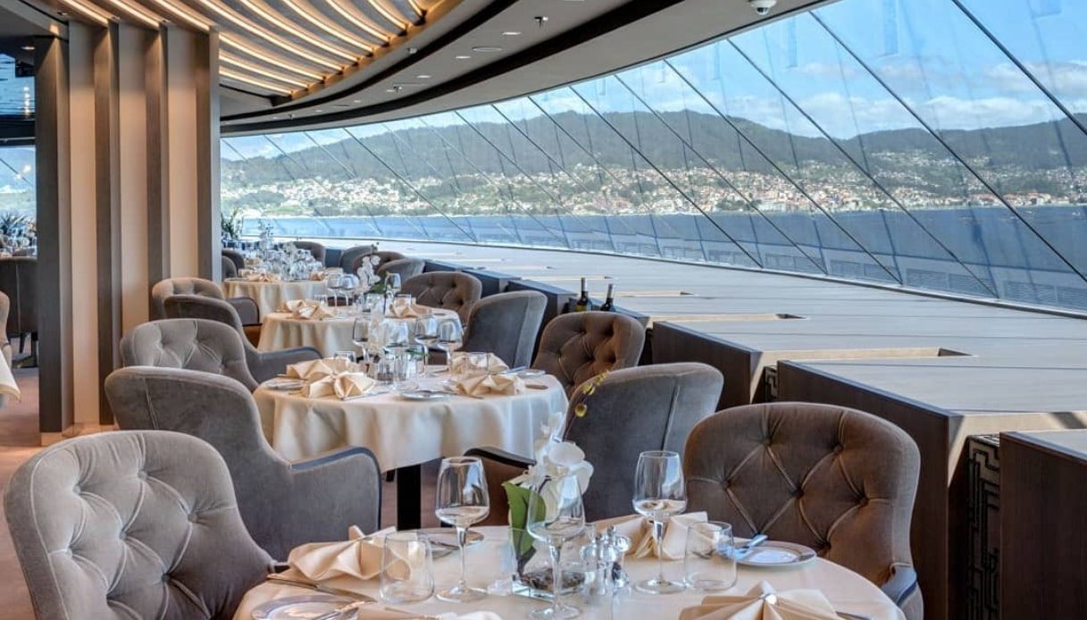 Cruise Line Dress Codes: What to Wear on a Cruise | Cruise.Blog