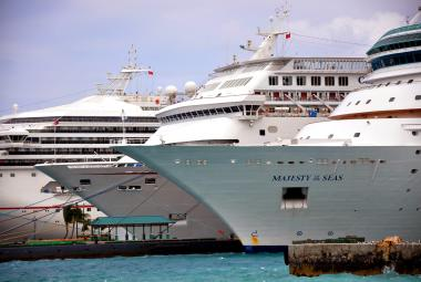 Cruise ships in Nassau